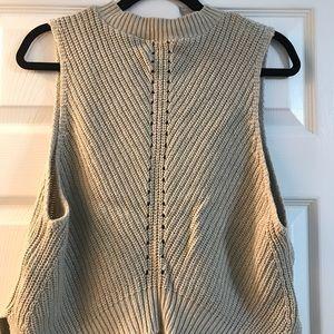 Sleeveless Sweater_ Medium